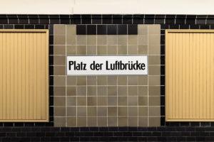 U6 Platz der Luftbrücke