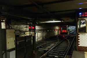 Reverse rail of Budapest Földalatti at Vörösmarty tér