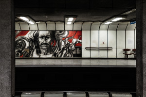 Mural gracing the wall of Dózsa György út station