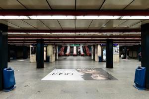 Ein- und Aufgang des Bahnhofs Arany János utca