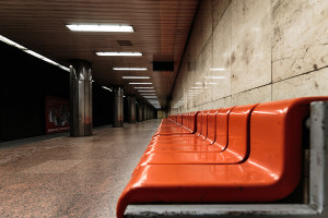 Bench seat at Arany János utca station