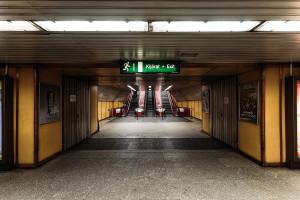 Entrance and escalator area of Klinikák station