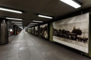 Historic photographs exhibited at Nagyvárad tér station