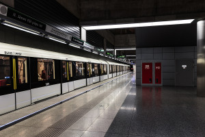M4 train ready to depart from II. János Pál pápa tér station