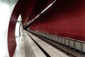 Tunneltube and platform of Rákóczi tér station