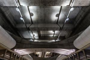 Concrete ceiling structure inside Kálvin tér station