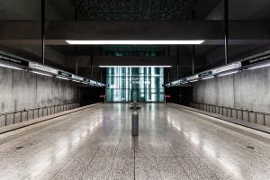Symmetry of Újbuda-központ station