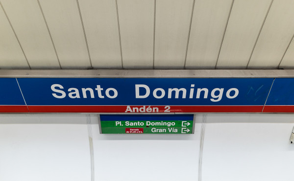 Metro de madrid l nea 2 santo domingo Metro santo domingo madrid